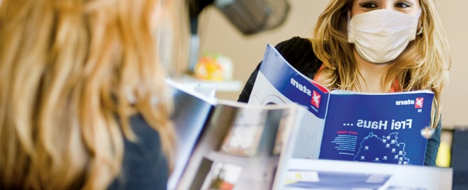 Friseurbetriebe dürfen Zeitschriften unter Beachtung der Hygienevorschriften auslegen